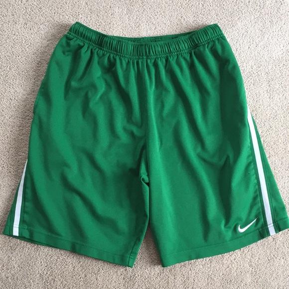 Nike   Green men's athletic shorts size Medium